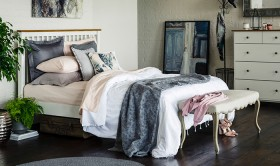 Maine-Queen-Bed-White on sale